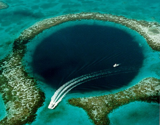 World's Deepest Sea-Hole.Great Blue Hole of Belize