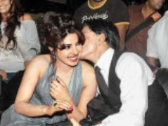 Shahrukh Khan and Priyanka Chopra seems to falling in LOVE.
