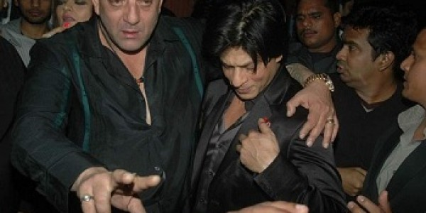 shahrukh-khan-slaps farah-khan husband at Sanjay Dutt party