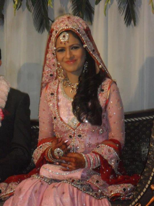 ayesha bakhsh-marriage-dress- picture