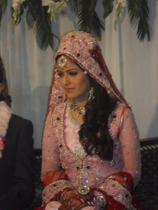 hot ad sexy ayesha bakhsh-wedding picture