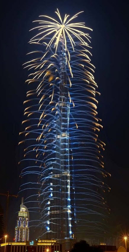 burj_khalifa_fire-works-2012