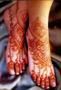 latest glitter mehndi design 2012