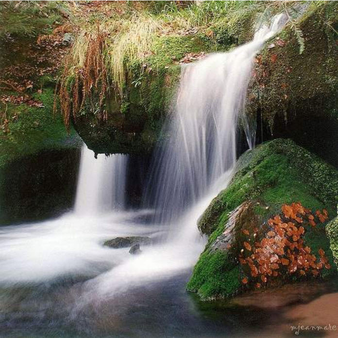 latest-Natural-waterfall-wallaper