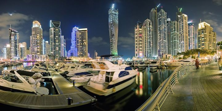 Dubai-Marina-Bay-at-Night