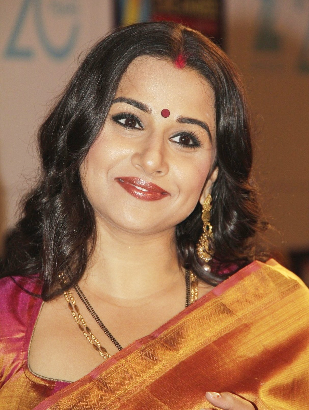 vidya balan latest hd widescreen wallpaper 2012 – itsmyviews