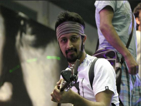 Atif-Aslam-Singer-Live-Concert-Photo-2012