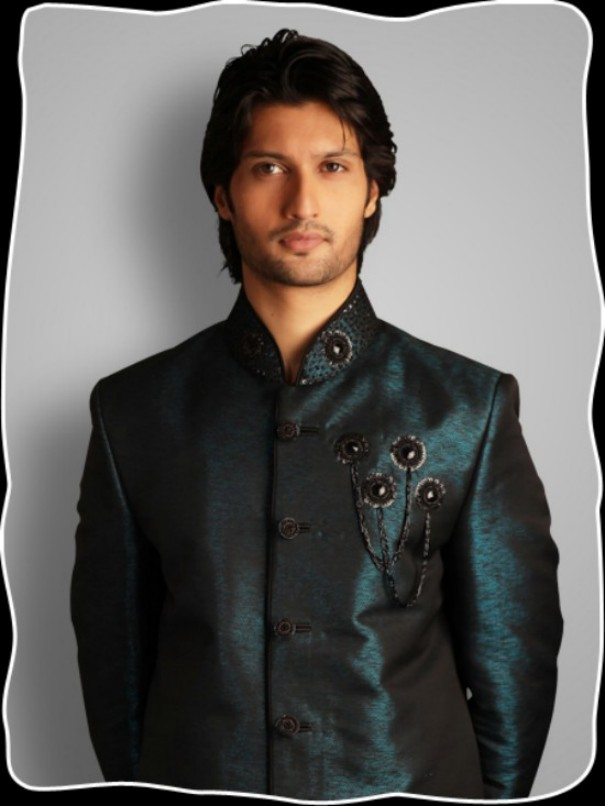 Latest-sherwani-designs-for-groom