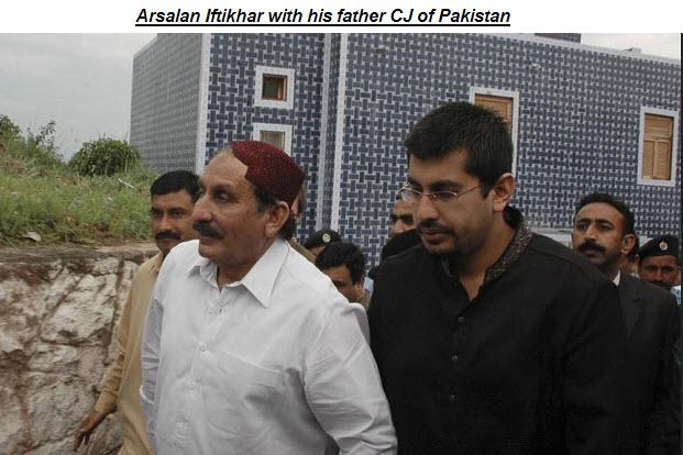 Arsalan-iftikhar-family-picture