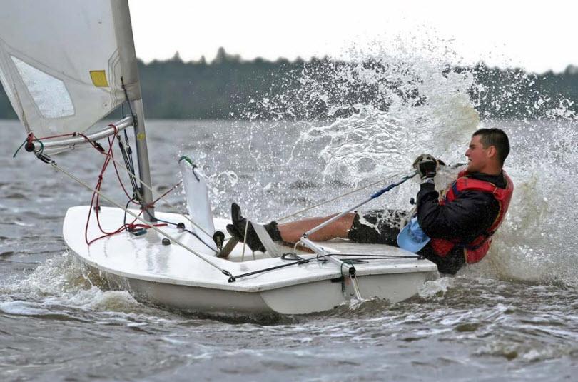 boat-race-at-sea-beach-fun-beautiful-waves-of-sea-water