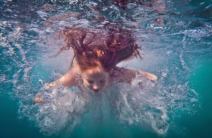 girl-picture-underwater-amazing-photography