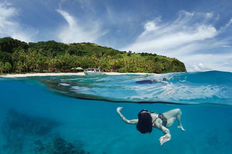 skating-at-water-under-water-girl-picture