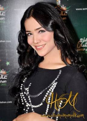 Humaima-Malik-HD-widescreen-wallpapers