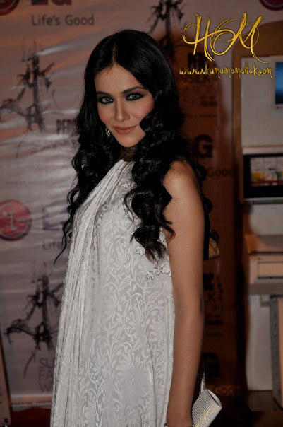 Humaima-Malik-hot-pictures-and-wallpapers-2013