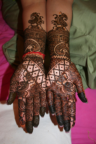 Latest-arabic-eid-mehndi-designs-2012