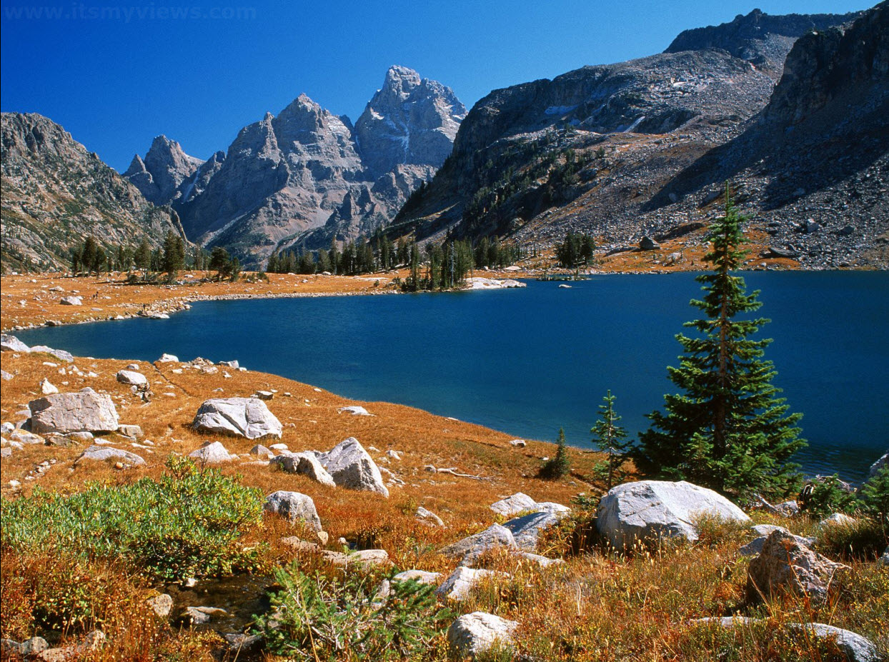 Mountain-high-defination-widescree-wallpapers-for-desktop-PC-and-mobile