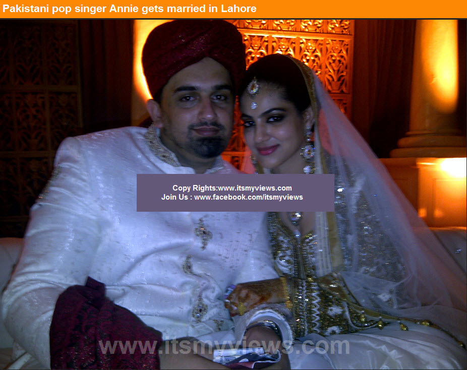 Singer-Annie-husband-picture-at-nikah-ceremoney