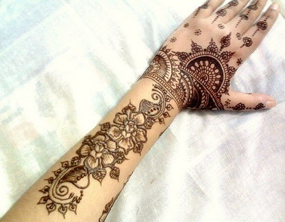 latest-designs-of-mehndi-for-eid-2012