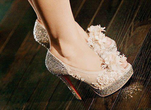 shoes-with-diamonds.high-heel-shoes