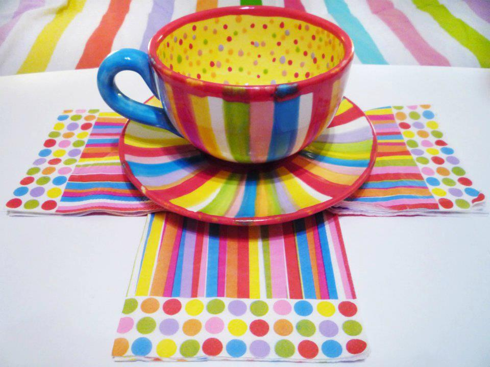 colorful-tea-cup-background-2012-2013
