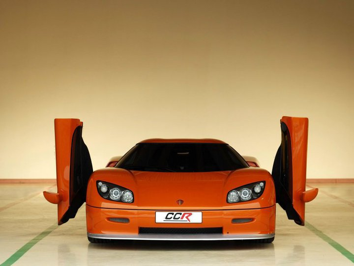 latest-orange-color-stylish-sports-car-picture-wallpapers