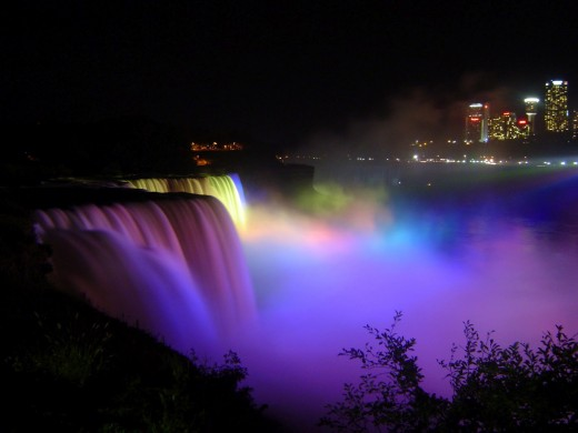 world-most-beautiful-Niagara-Falls-Night-View-with-Rainbow
