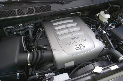 Toyota-2013-Sequoia-engine