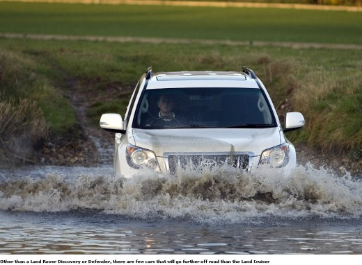 Toyota-Land-Cruiser-2013-Test-Drive-in-Lake-River-water-Rough-drive-Off-Road