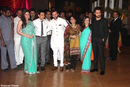 kareena-kapoor-saif-ali-khan-reception-party-wedding-photo-2012