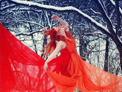 2013-most-beautiful-red-color-gril-picture