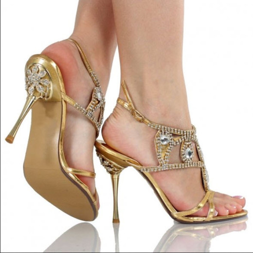 golden-color-bridal-Latest-trend-shoes-2013 Picture