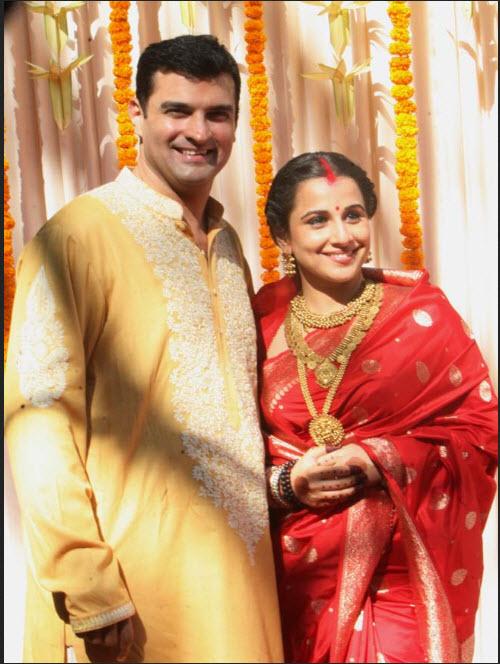 wedding picture of vidya balan