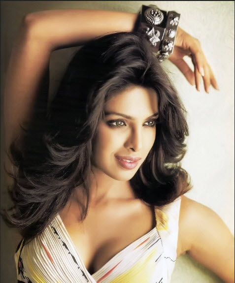 2013-Priyanka-chopra HD wallpaper
