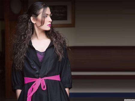 Pakistani-Fashion-Model-Nausheen-Shah-Biograplhy-2013-2014