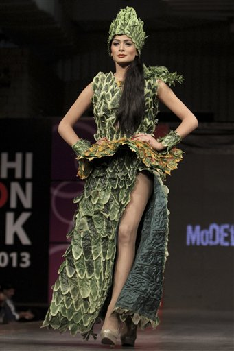Picture-of-fashion-week-in-karachi-2013