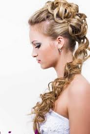 elegant-hairstyle-for-wedding-functions-2013