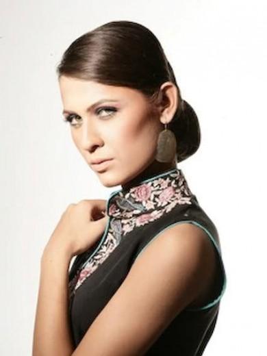 latest-nausheen-shah-fashion-show-pictures-2013-2014