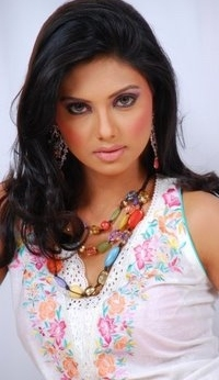 most-famous-pakistani-fashion-model-2013.jpg