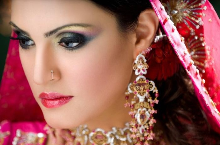 nadia-hussain-latest-bridal-makeup-2013