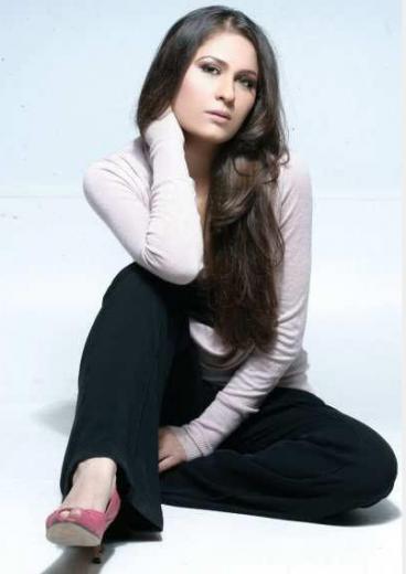 nausheen-shah-new-modeling-pictures-2013-2014