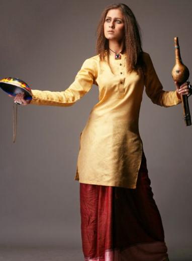 pakistani-model-nausheen-shah-beautiful-wallpaper-2013-2014