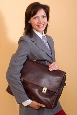 stylish-leather-laptop-bags-light-weight-for-working-ladies-2013
