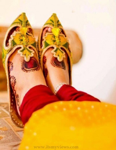 Latest Trend  Mehndi Design on  Feet 2013-2014