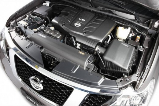Nissan-Patrol-2013 engine picture and specification