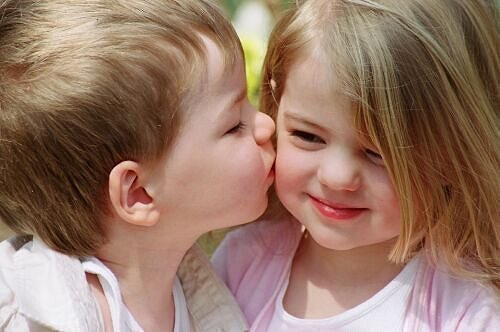 beautiful-baby-girl-baby-boy-boy-kiss-picture-2013-2014