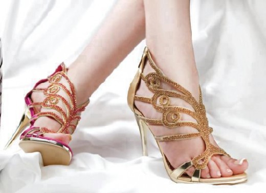 beautiful-bridal-golden-high-heel-shoes-2013