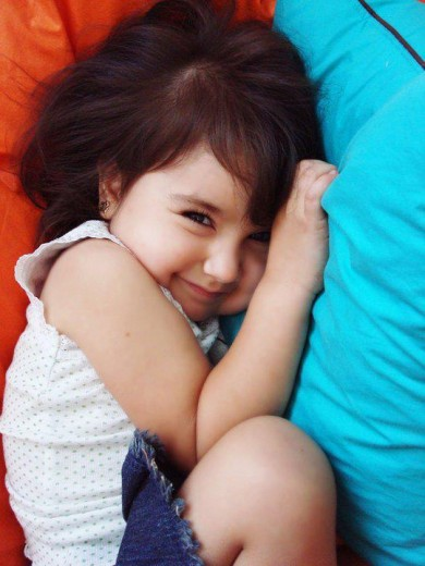beautiful-stylisg-baby-girl-walpaper-2013-2014