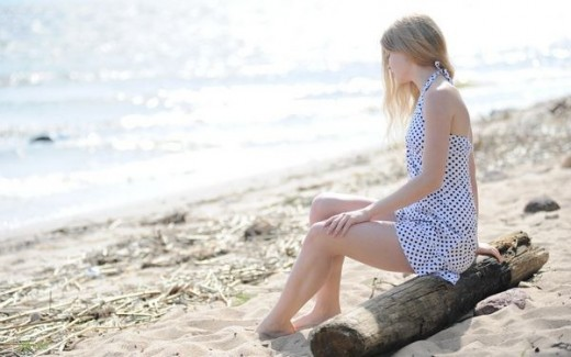 latest-beach-wallpaper-with-girl-2013-2014
