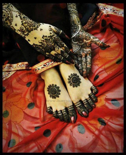 latest-henna-mehndi-designs-for-brides-2013-2014