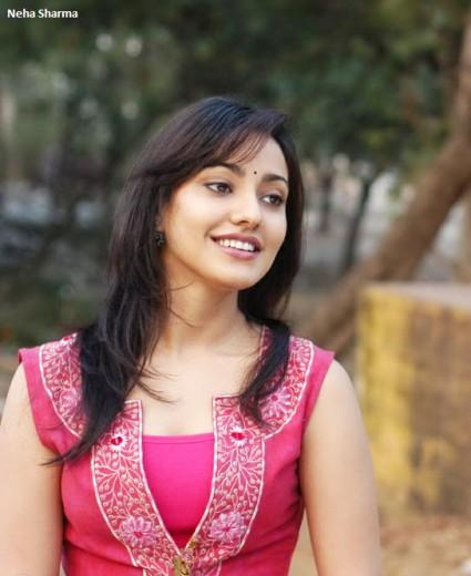 neha-sharma-indian-actress-HD-wallpaper
